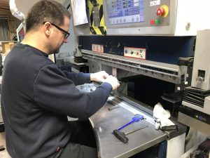 Bending sheet metal components on the Trumpf 7036