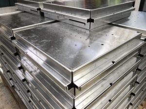 Folded aluminium trays